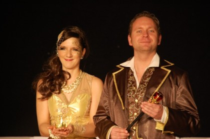 Das frisch inthronisierte Prinzenpaar der Stadt Olching - ihre Lieblichkeit Prinzessin Martina III. und seine Tollität Prinz Patrick I.